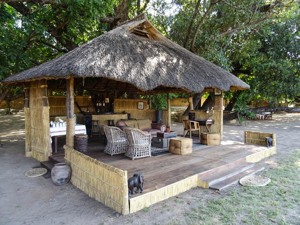 Luwi Bush Lodge Lounge and Bar