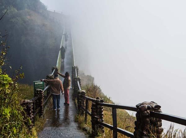 Virtually visit Victoria Falls